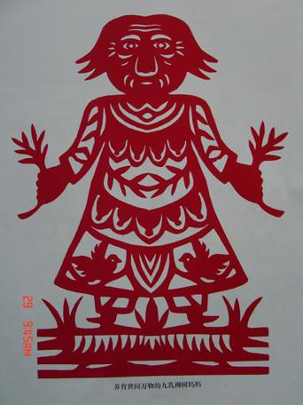 4岁的汪秀霞就被母亲哄她玩的剪纸所吸引,活灵活现的小动物,栩栩如生